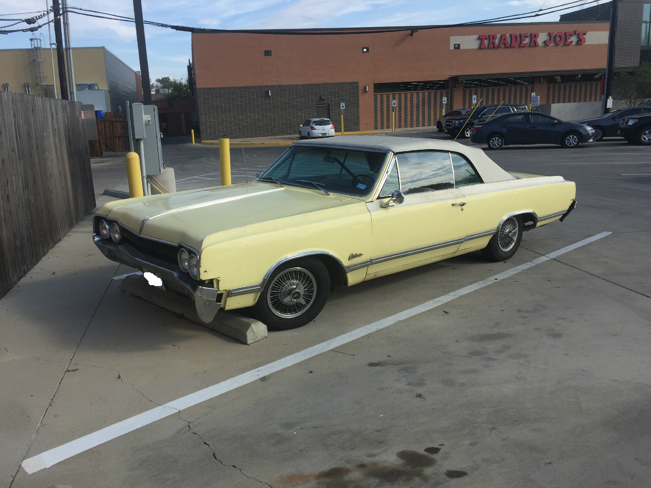 Just a cool old convertible parked at Trader Joe\'s | Snowdoggie.com